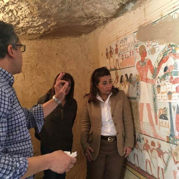 جدارية داخل أحد القبور المكتشفة حديثا في مصر  حقوق الصورة: وزارة الآثار المصرية.