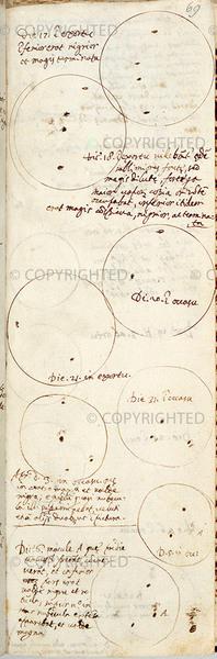 غاليليو غاليلي (1564-1642) رسومات للبقع الشمسية، حوالي 1612 فلورنسا، المكتبة الوطنية المركزية، المخطوطة رقم 57، وكذلك 69r، من مكتبة الوصول العام