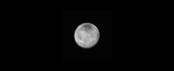 صورة لشارون وحده التقطها المُصور الاستقصائي واسع المجال LORRI في الثامن من يوليو/ تموز، 2015.<br />المصدر: NASA-JHUAPL-SWRI