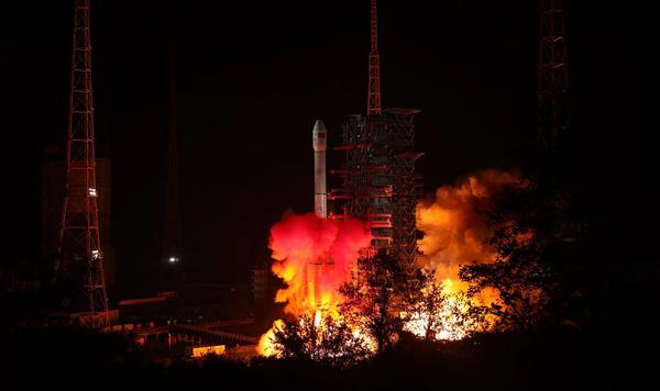 """انطلاق مهمة """"تشانغ اه 4"""" الصينية إلى الجانب البعيد للقمر يوم 8 ديسمبر/كانون الأول 2018 في الساعة 2:23 صباحاً بتوقيت بكين. حقوق الصورة: China National Space Administration"""