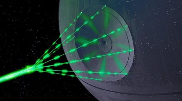 أسلحة الطاقة الموجهة مثل ليزر نجم الموت من فيلم حرب النجوم، وهي سمة شائعة في أعمال الخيال العلمي. حقوق الصورة: Wookieepedia / Lucasfilm