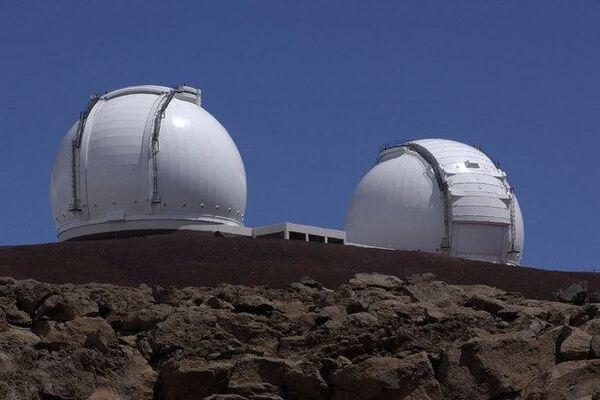 مرصد كاك Keck الواقع على قمّة جبل مونا كيا في هاواي. (حقوق الصورة: NASA/JPL)
