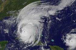 ناسا ترصد عين إعصار إيرما على طول ساحل فلوريدا