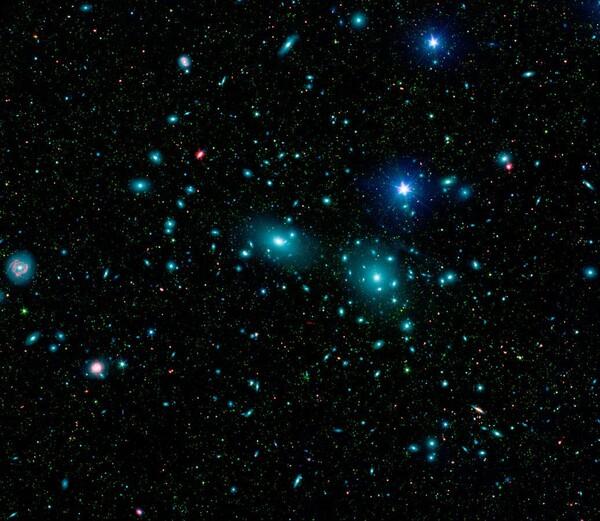 عنقود كوما المجري.  حقوق الصورة: NASA/ JPL-Caltech/ L. Jenkins (GSFC)