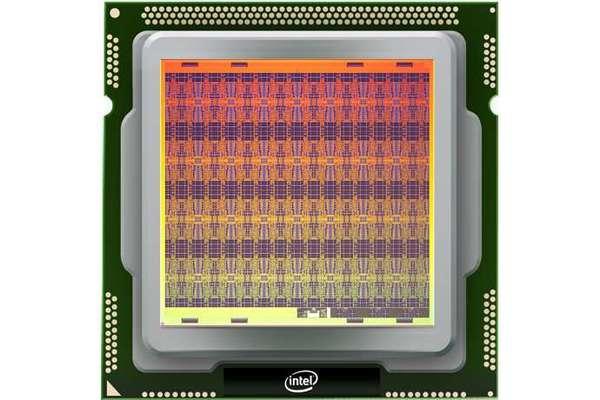 مجموعة إنتل Intel المطورة لشريحة الأبحاث العصبية ذاتية التعلم، المسماة لويهي Loihi. حقوق الصورة: شركة إنتل