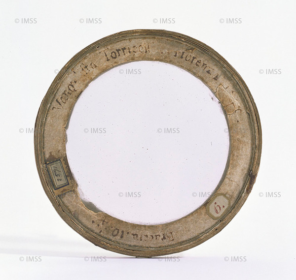 إيفانجيلستا توريتشيللي (1608-1647)  عدسة شيئية، فلورنسا، 1646 فلورنسا، معهد ومتحف تاريخ العلوم، العنصر 2571