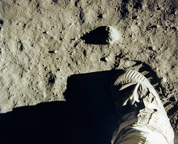 آثار أقدام ألدرين بعد الهبوط في 20 يوليو/تموز، 1969. حقوق الصورة: ناسا