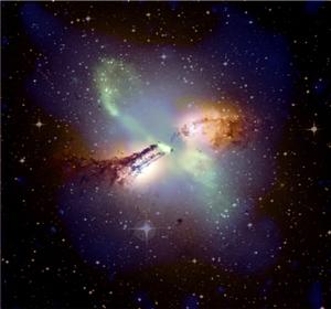 صورة التقطها مرصد تشاندرا للأشعة السينية Chandra X-ray Observatory التابع لوكالة ناسا حيث تظهر فيها بقايا انفجار في مجرة قنطوروس أ Centaurus A. يحتوي مركز هذه المجرة على ثقب أسود عملاق.  المصدر: وكالة ناسا