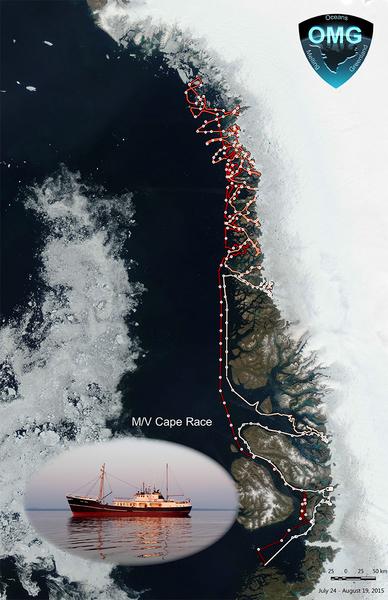 تقوم سفينة إم/في كيب ريس (M/V cape race) هذ الصيف بقياس أعماق قاع البحر حول جرينلاند. يتبع مسارها المعقد خنادق عميقة حُفرت بواسطة أنهار جليدية قديمة. يبدأ المسار بشكل سلس ومن ثم يتعمق أكثر عبر بقية المسار الممسوح، ويظهر على اليسار الجليد البحري على مقدمة السفينة في تاريخ 24 يوليو. المصدر: وكالة ناسا/ مختبر الدفع النفاث JPL- معهد كاليفورنيا التقني كالتيك Caltech.