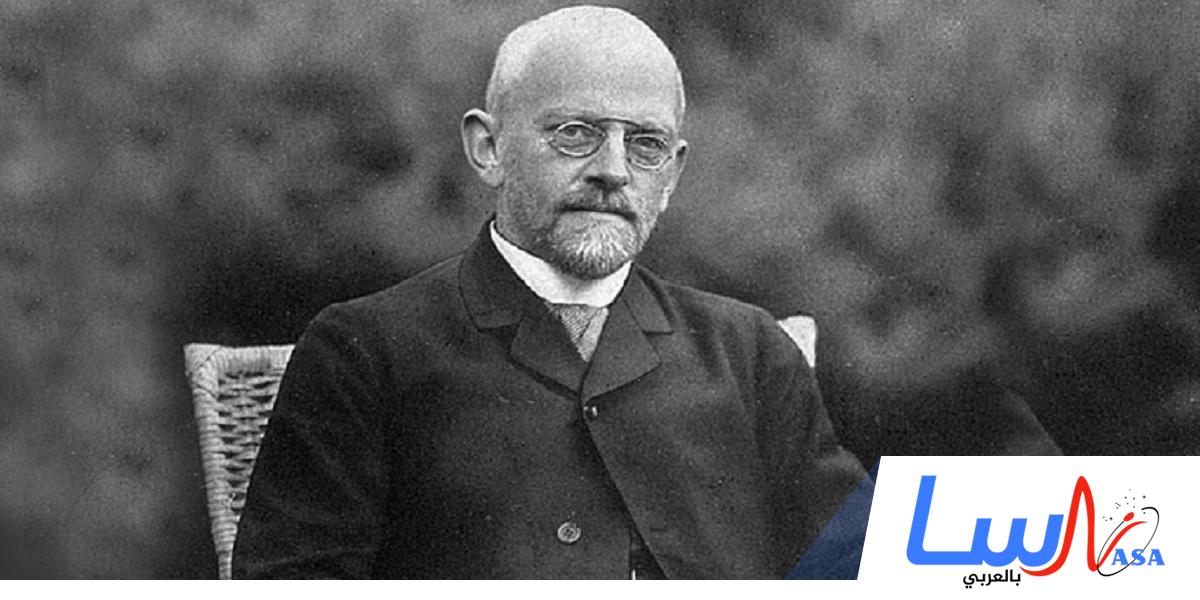 وفاة عالم الرياضيات والفيزياء