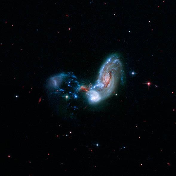 و إذا لم تكفيك تلك الصور، إليك المزيد. (احرص على رؤيتك للصورة ذات الدقة العالية). حقوق هذه الصور تعود لـ: NASA, ESA, and the Hubble Heritage (STScI/AURA)-ESA/Hubble Collaboration, A. Evans (University of Virginia, Charlottesville/NRAO/Stony Brook Universi