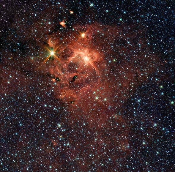 IRAS 13481-6124. حقوق الصورة: ناسا