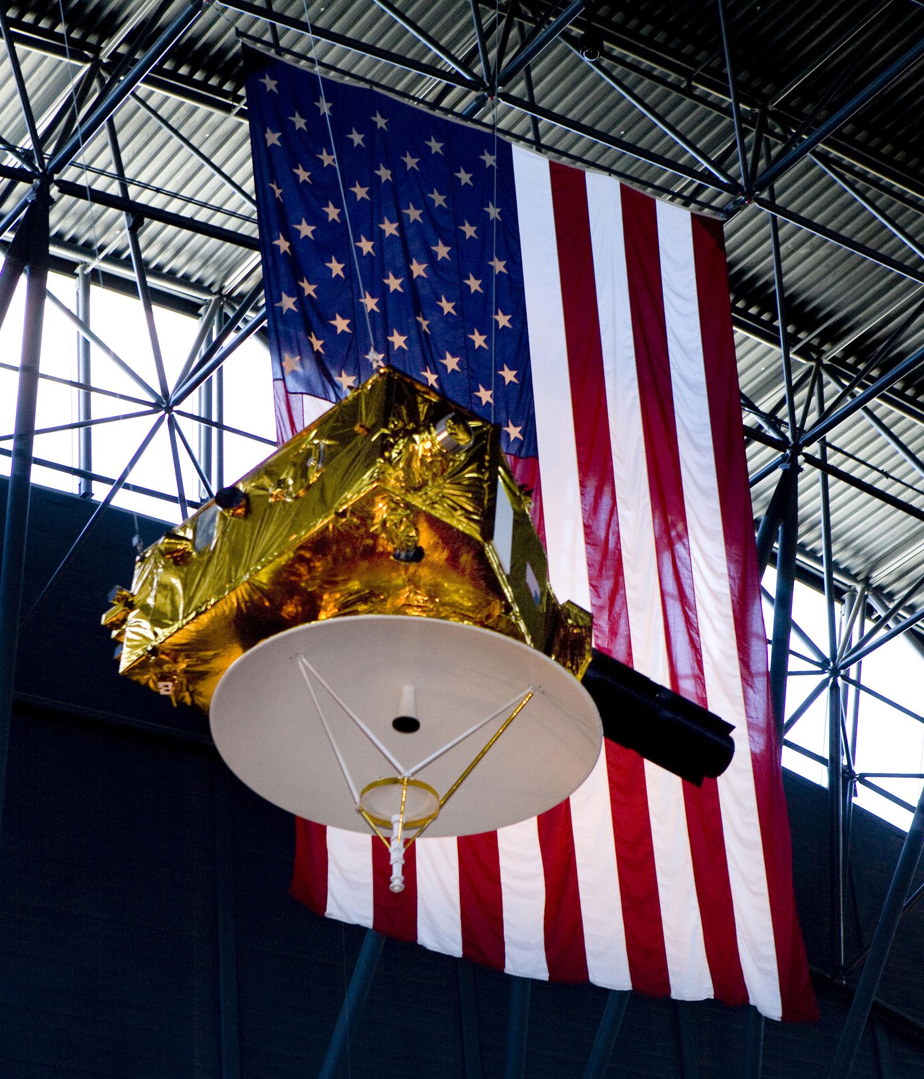 صورة نموذج حي للمركبة الفضائية في مختبر الفيزياء التطبيقية في جامعة جونز هوبكنز. حقوق الصوة:  Johns Hopkins University Applied Physics Laboratory