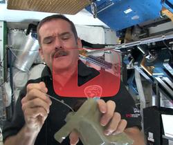 مطبخ رائد الفضاء كرس: حلويات في الفضاء
