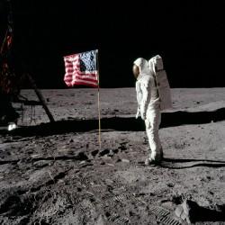 أبولو 11، إنجاز للإنسانية