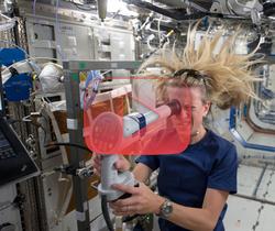 بصر رواد الفضاء يتغير في الجاذبية الميكروية