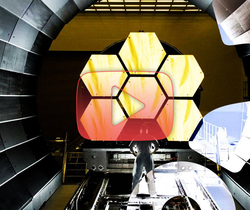 تحدي بناء تلسكوب فضائي ضخم